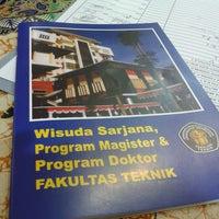 Photo taken at Gedung Dekanat Fakultas Teknik by Ayu A. on 2/28/2014