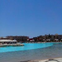 Foto tirada no(a) Lagoon Pool por Денис Р. em 7/5/2013