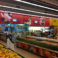 Photo taken at Giant Hypermarket by Lyna R. on 12/14/2012