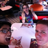 Photo taken at Steak 'n Shake by Jeziel C. on 4/18/2013