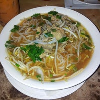 Photo taken at Pho Orchid by Mimi L. on 5/18/2013