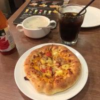 Photo taken at Pizza Hut by Ilman on 12/31/2015