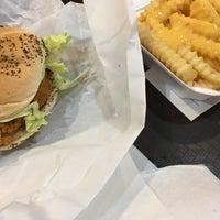 Photo taken at Burger Express by Tom M. on 9/28/2016