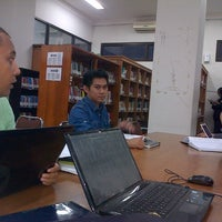 Photo taken at Perpustakaan FISIP UPN Veteran Yogyakarta by Harry M. on 5/8/2013