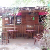 Photo taken at บ้านนาเตี่ย-สวนแม่บุญรอด กาแฟสด by JaSix I. on 1/15/2013