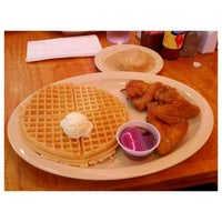 Photo taken at Roscoe's House of Chicken and Waffles - Long Beach by Josef N. on 11/18/2012