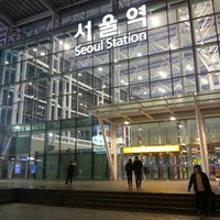 Photo taken at Seoul Station - KTX/Korail by 은애 노. on 3/30/2013