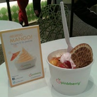 Photo taken at Pinkberry by Pepe H. on 11/4/2012