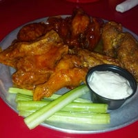 Photo taken at Pluckers Wing Bar by Phillip M. on 11/14/2012