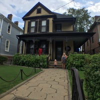 Photo taken at Martin Luther King Jr. Birth Home by Brian W. on 8/4/2016