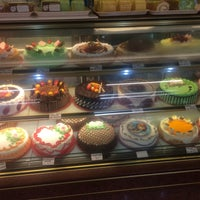 Photo taken at Good Taste Cake House by Summer Y. on 10/15/2016