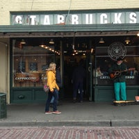 Photo taken at Starbucks by Derik T on 1/10/2013