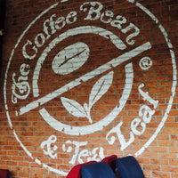Photo taken at The Coffee Bean & Tea Leaf by 🐝TΛMTOMO  DΛNISWΛRΛ™ on 6/3/2016