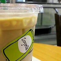 Photo taken at Starbucks Coffee JR東京駅日本橋口店 by morihito n. on 9/29/2012