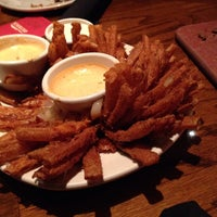 Photo taken at Outback Steakhouse by Jose R. on 11/2/2013