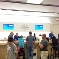 Photo taken at Apple Store, Freehold Raceway Mall by Majed A. on 9/29/2012