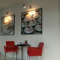 Photo taken at espressamente illy coffee bar by Sara bn dayel .. on 2/5/2016