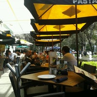 Photo taken at California Pizza Kitchen by Héctor C. on 3/21/2013