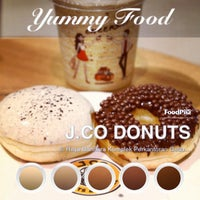 Photo taken at J.Co Donuts & Coffee by boboy on 5/23/2013