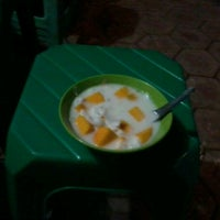 Photo taken at d'wiscar 2 Es Buah & Jus by Akhmad H. on 10/8/2012