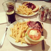 Photo taken at Alfredo's Barbacoa by Catarina B. on 6/11/2013