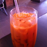 Photo taken at Udom Thai Restaurant & Bar by thecoffeebeaners on 8/31/2011
