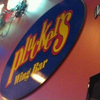 Photo taken at Pluckers Wing Bar by General L. on 9/17/2011
