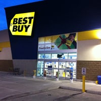 Photo taken at Best Buy by Doug M. on 12/24/2010