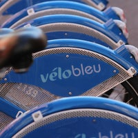 Photo taken at Vélo Bleu (Station No. 28) by FR2DAY on 7/18/2011