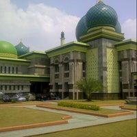 Photo taken at Masjid Agung An-Nur by iwanoski on 6/29/2012