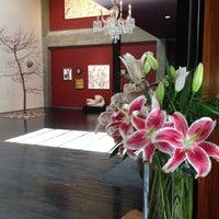 Photo taken at 12 Gallagher Lane - un salon d'art by Rena H. on 6/27/2012