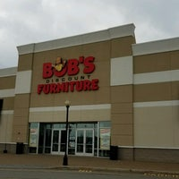 Bob 39 s discount furniture harmon meadows secaucus nj for Bobs furniture nj