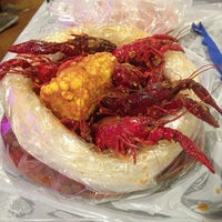 Photo taken at Hot N Juicy Crawfish by KuwaitFoodie.com on 8/20/2013