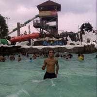 Photo taken at VIP Cabana Snowbay by BinTanK E. on 8/12/2013