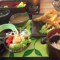 Photo taken at Sakae Sushi by C.h. on 6/22/2013