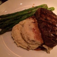 Photo taken at Seasons 52 by Diandra P. on 2/8/2014