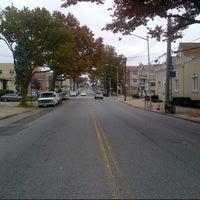 Photo taken at MTA Flushing Sanford Av & 162nd St Bus Stop  - Q12 by Oscar B. on 10/24/2012
