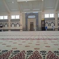 Photo taken at Masjid Abdullah Fahim by Nur Hisyam on 10/14/2012