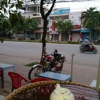 Photo taken at Cafe Bảo Trân 3 by Nguyễn Quốc Dân (. on 12/20/2013
