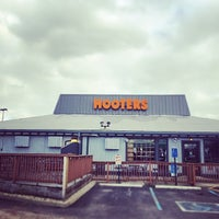 Photo taken at Hooters by Dongjun Z. on 4/15/2014