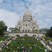 Photo taken at Basilique du Sacré-Cœur de Montmartre by Rui B. on 6/2/2013