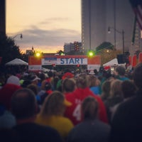 Photo taken at Nationwide Children's Hospital Columbus Marathon & 1/2 Marathon by Julia P. on 10/19/2014