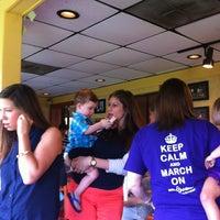 Photo taken at Pizza Hut by Skipper J. on 7/27/2013