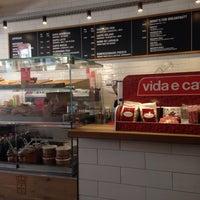 Photo taken at Vida e Caffè by Miguel on 1/11/2015