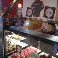 Photo taken at Gigi's Cupcakes by G on 10/22/2012