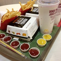 Photo taken at McDonald's by Ofines on 12/21/2012