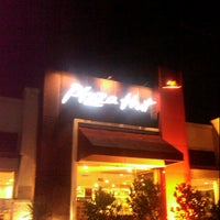 Photo taken at Pizza Hut by Bayu K. on 2/21/2013