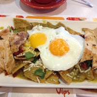 Photo taken at Vips by Luis C. on 3/28/2013