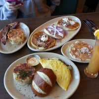 Photo taken at Snooze: An A.M. Eatery by Weslie F. on 1/5/2013