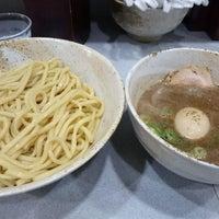 Photo taken at 麺屋白頭鷲 by tnv o. on 11/5/2016